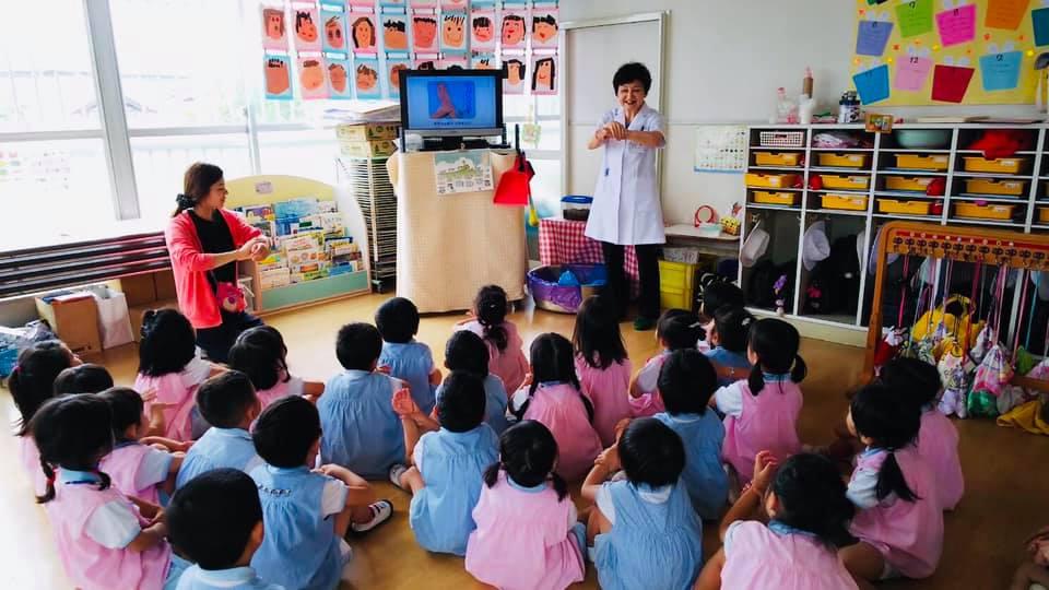 6月5日(水)幼稚園にて、園児達に手洗い指導